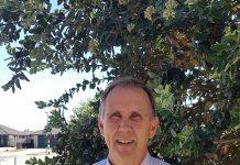Steve Lindsey, Papamoa College Principal Kai Aroha